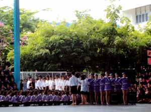 Purple team sends out dancing air hostesses!
